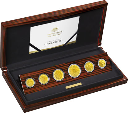 10109 Packaging of the 2019 Gold Proof Year Set